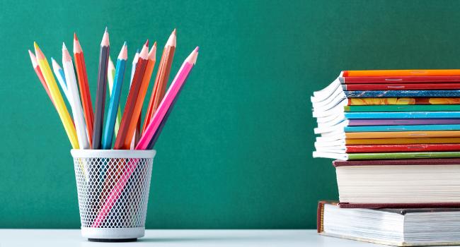 L'Ajuntament canalitza, a través del Punt del Voluntariat, el repartiment dels lots de material escolar que les escoles han preparat per fer arribar a l'alumnat que en necessiti