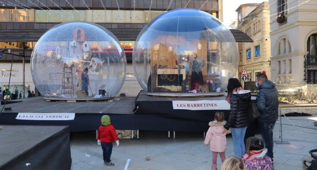 Un espectacle familiar de bombolles gegants, a la plaça del Doctor Robert fins al 4 de gener