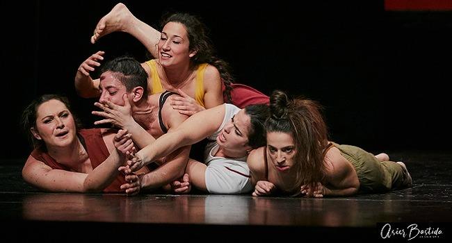 Acrobàcies i coreografies amb accent femení, a La Vela i al teatre de Ca l'Estruch