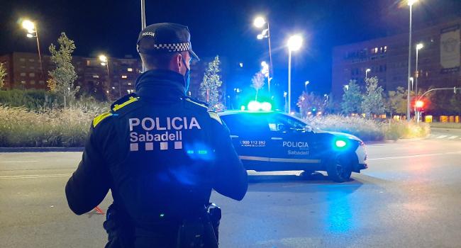 Policia Municipal i Mossos d'Esquadra activen un dispositiu conjunt per evitar la crema de contenidors i vehicles registrada els darrers caps de setmana