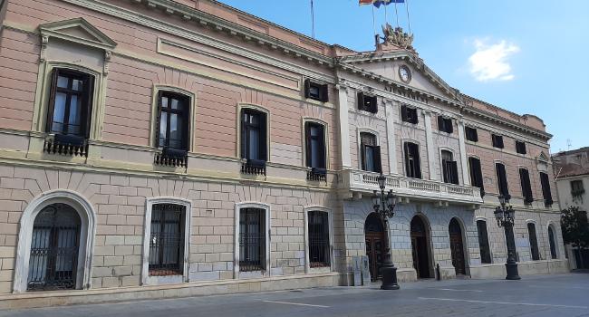 Aprovada la contractació de les obres de rehabilitació de les façanes de l'Ajuntament
