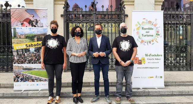 Sabadell acull la primera Rambla del Turisme a la plaça del Doctor Robert