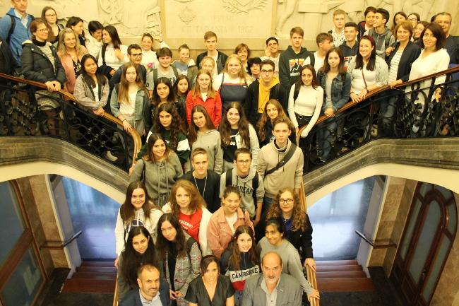 Vint-i-cinc alumnes de cinc països participen en un intercanvi europeu amb l'Institut Pau Vila
