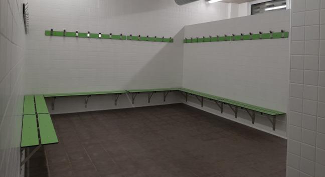 El camp de futbol de Ca n'Oriac disposa ja d'un edifici de vestidors ampliat i renovat