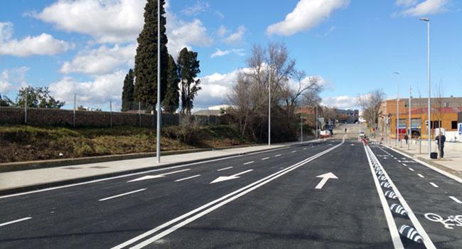 El passeig de Can Feu es reobre definitivament al trànsit el proper dilluns