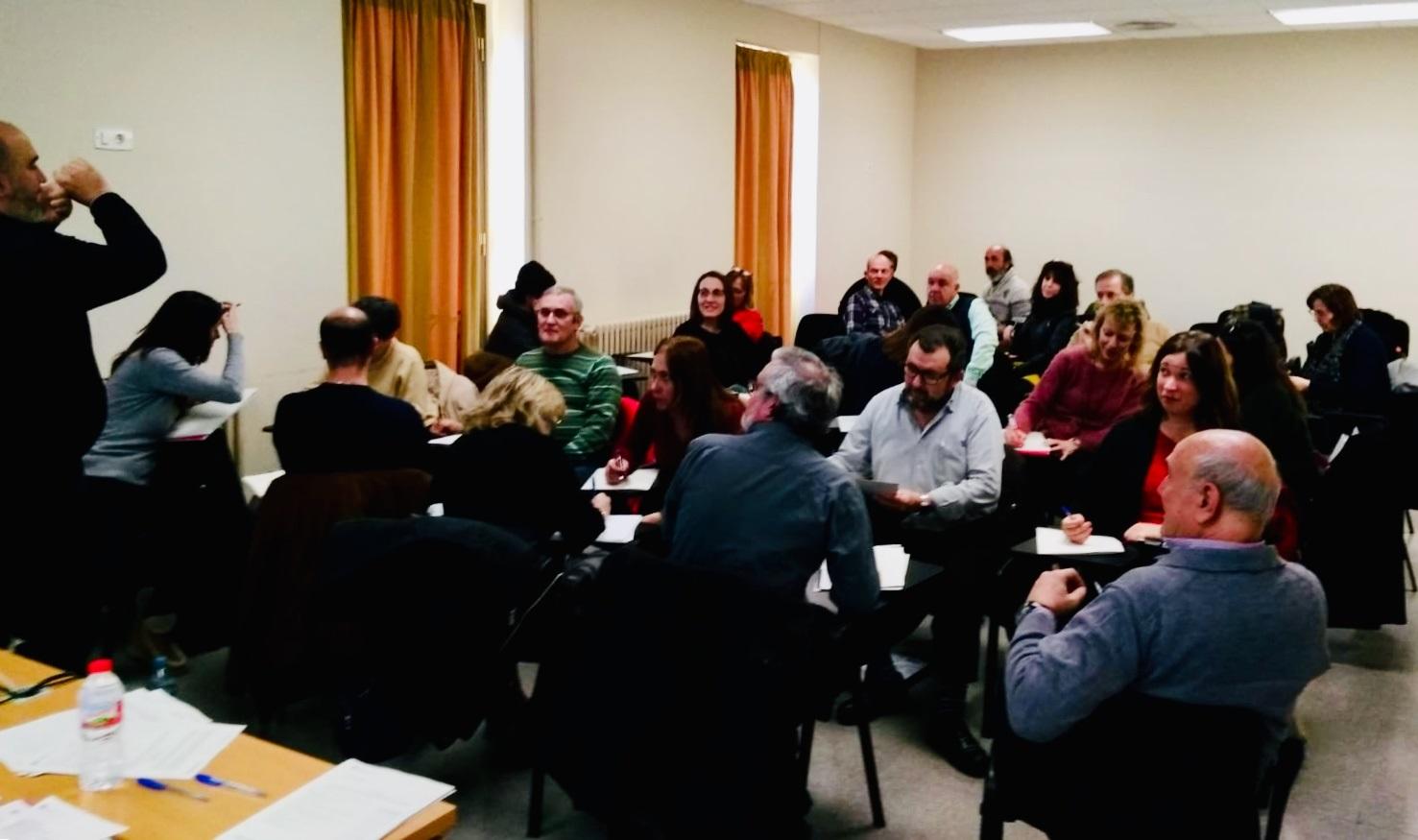 Una trentena d'entitats participen al taller sobre captació de fons de finançament