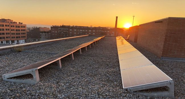 Sabadell triplica les instal·lacions solars fotovoltaiques en equipaments municipals i redueix gairebé un 3% el consum de gas i electricitat