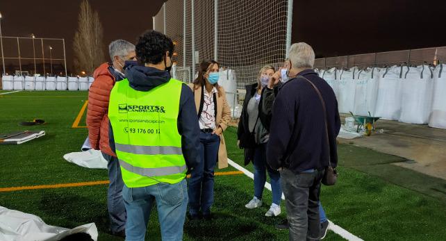 Comencen les obres de substitució de la gespa artificial del camp de futbol de Can Rull