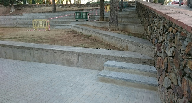 Escales noves, a la plaça de Magdalena Calonge