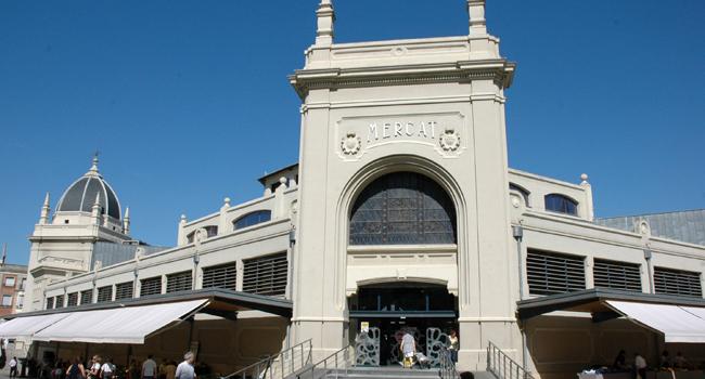 L'Ajuntament assegura l'estabilitat dels elements decoratius del la façana del Mercat Central