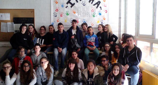 Alumnes de l'Institut Sabadell impulsen un projecte d'emprenedoria per col·laborar amb una escola del Camerun