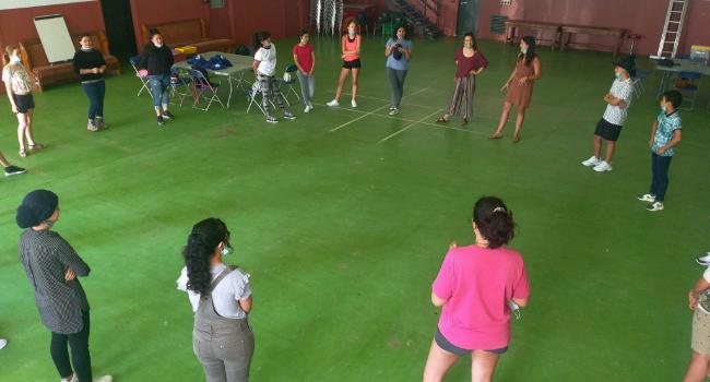 La ciutat ofereix acollida especialitzada a una vintena de joves migrants nouvinguts