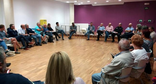 Ajuntament i veïnat treballen junts per millorar la convivència al barri de Can Deu