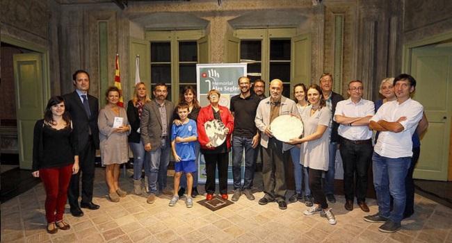 Dolors Bramon i la Fundació Ciutadania Multicultural Mescladís reben els premis Memorial Àlex Seglers 2017