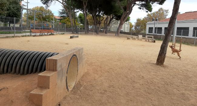 Llum verda a la construcció de tres noves àrees d'esbarjo per a gossos a diferents zones de la ciutat