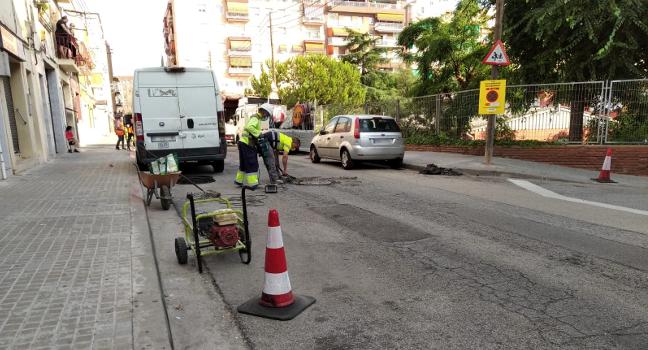 L'Ajuntament millora el ferm de més de cent vies públiques repartides per tots els districtes de Sabadell
