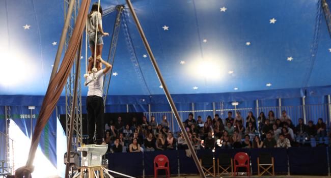 L'Estruch ofereix als centres educatius assajos oberts de vuit espectacles, aquest semestre