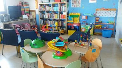 Visita a l'Aula Hospitalària del Parc Taulí, que atén els infants ingressats a Pediatria