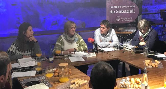 Sabadell posarà en marxa un programa per ensenyar a nedar a tots els nens i nenes