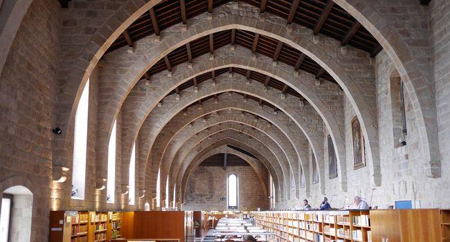 Alumnat de l'Institut Jonqueres assisteix a un taller de còmic i visita la Biblioteca de Catalunya dins un projecte per estudiar quatre autores catalanes