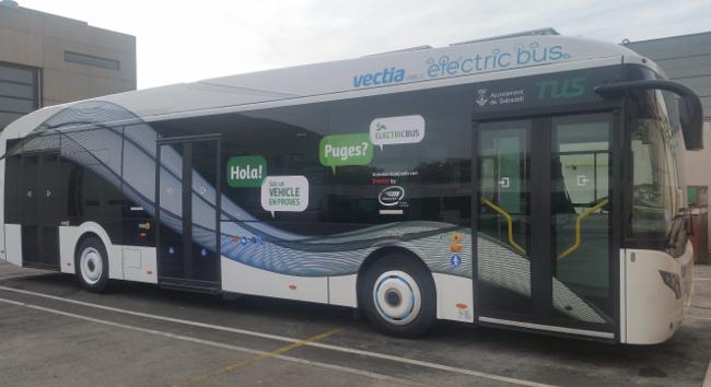 Un autobús que combina el sistema híbrid i elèctric 100% circularà per Sabadell en període de proves