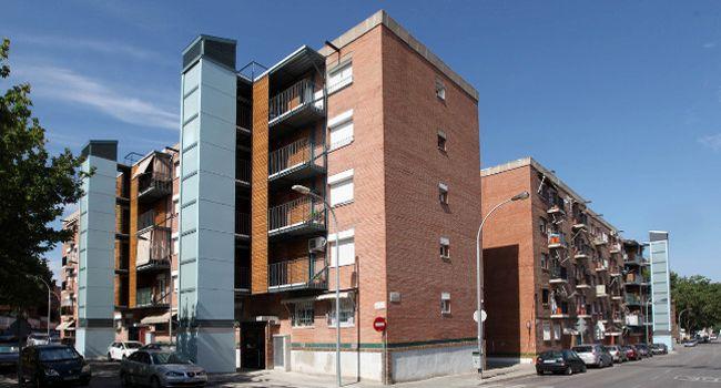 L'Ajuntament atorga una subvenció a 12 comunitats veïnals perquè puguin millorar espais comuns