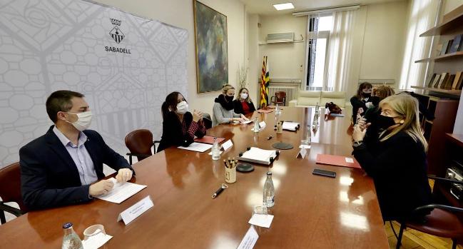 La consellera Àngels Ponsa visita Sabadell i es reuneix amb l'alcaldessa per parlar de la Fundació Òpera Catalunya (FOC) i altres temes culturals de la ciutat