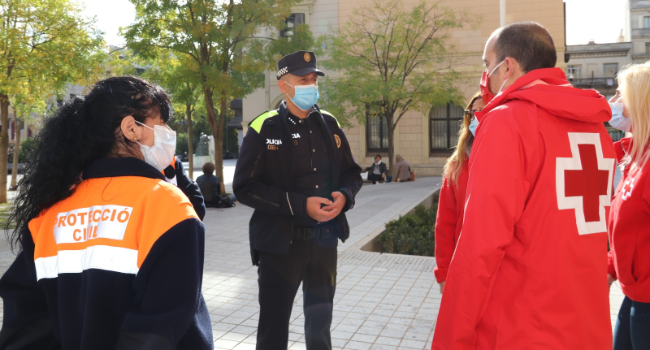 L'Ajuntament i Creu Roja activen un dispositiu nocturn per reforçar la sensibilització del col·lectiu jove a l'entorn de la prevenció de la COVID-19