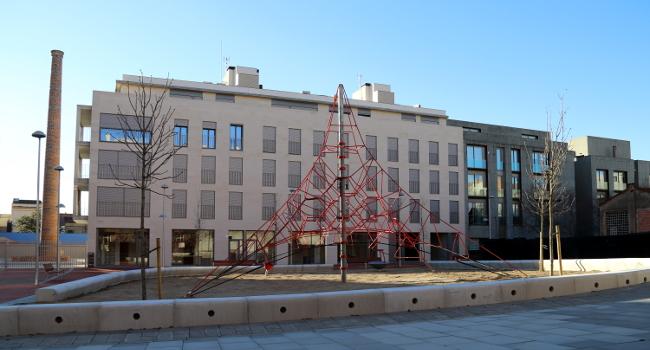 El centre de la ciutat guanya un nou espai públic amb l'ampliació de la plaça de Dolors Miralles