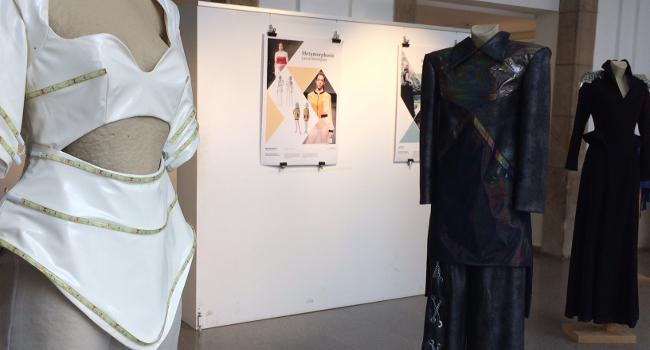 """""""Dress Code 17.36"""" exposa vuit projectes de moda de l'alumnat de l'Escola Illa al Casal Pere Quart"""
