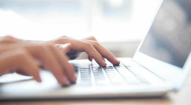 L'Ajuntament complementarà l'oferta de dispositius telemàtics del Departament d'Educació per evitar la bretxa digital a les escoles