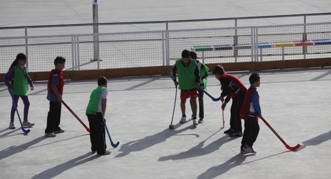 Una cinquantena d'escoles rebran 60.000 euros en subvencions per a la promoció de l'esport escolar en horari no lectiu