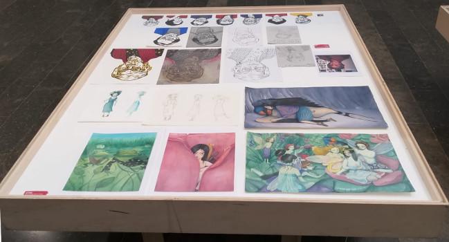 Exposició de projectes d'Il·lustració de l'Escola Illa a la Biblioteca Vapor Badia