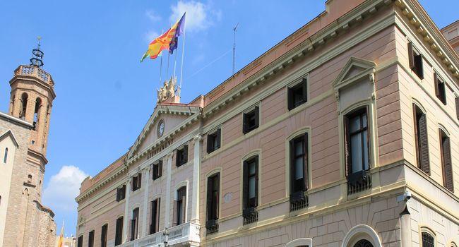 La Junta de Portaveus aprova una moció amb motiu del Dia Internacional contra l'homofòbia, la lesbofòbia, la bifòbia i la transfòbia