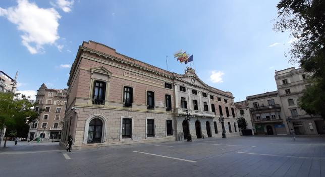 La Junta de Portaveus aprova una moció sobre la represa de la presencialitat dels centres de formació no reglada d'idiomes