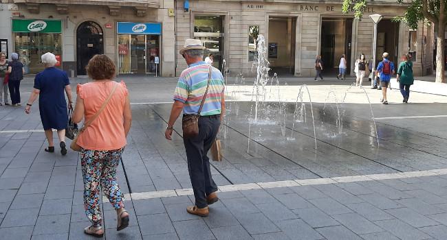 Les fonts de les places de Sant Roc i de Catalunya ja estan en funcionament
