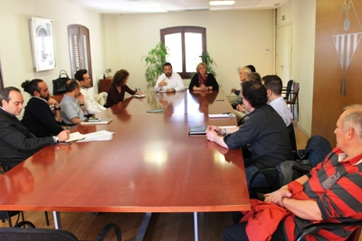 Ajuntament i comerciants fan front comú contra la sentència del Constitucional que permetria novament implantar grans superfícies a les afores de la ciutat