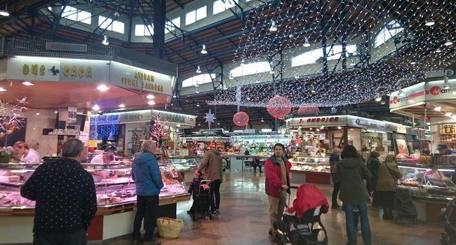 Els mercats municipals adapten els horaris d'obertura durant les dates de Nadal