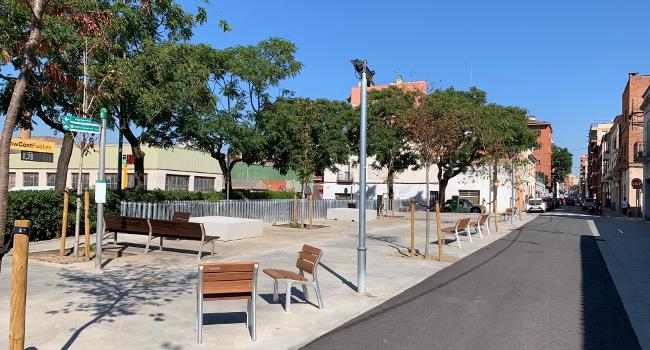 L'Eixample guanya un nou espai per a vianants amb la rehabilitació de la plaça d'Indíbil i Mandoni