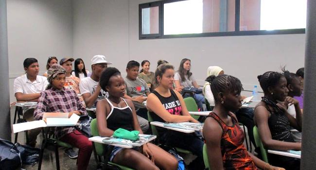 Una vintena de joves migrants participa al programa d'acollida especialitzada per a nois i noies reagrupades