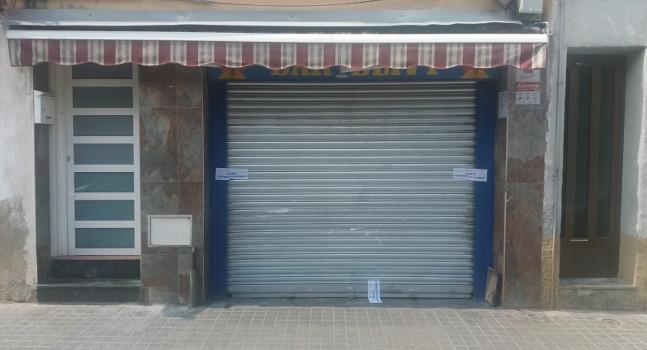 Precintat l'establiment del carrer de Pérez Moya, que provocava problemes de convivència al districte 6è