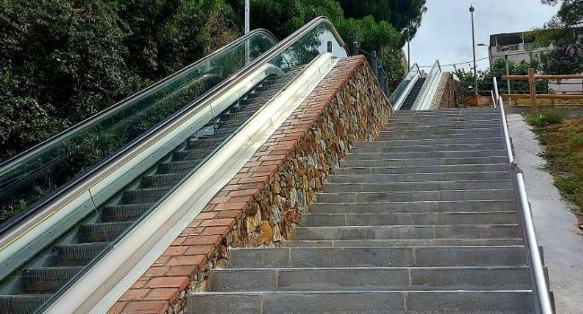 Finalitzen els treballs de millora en les escales del carrer del Llobregat, a Torre-romeu