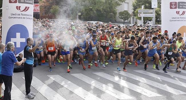 El sabadellenc Carles Montllor i Katherine Chaplin, guanyadors de la Mitja Marató de Sabadell