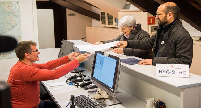 Sabadell i Badalona demanen que el nou Govern garanteixi l'accés a l'habitatge digne amb la creació d'una Conselleria d'Habitatge