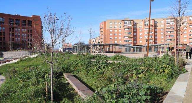 S'estrena la nova plaça d'Espanya, un cop acabada la nova estació de tren i les dues fases d'obra