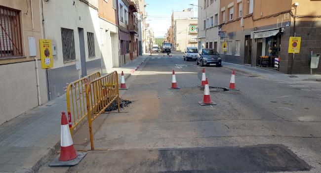 S'inicien les obres de millora del paviment de diferents carrers de la Plana del Pintor