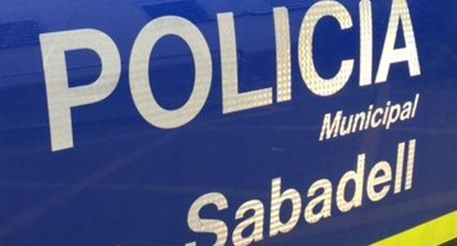 La Policia Municipal activa un dispositiu per posar fre a les curses il·legals de cotxes a Can Roqueta