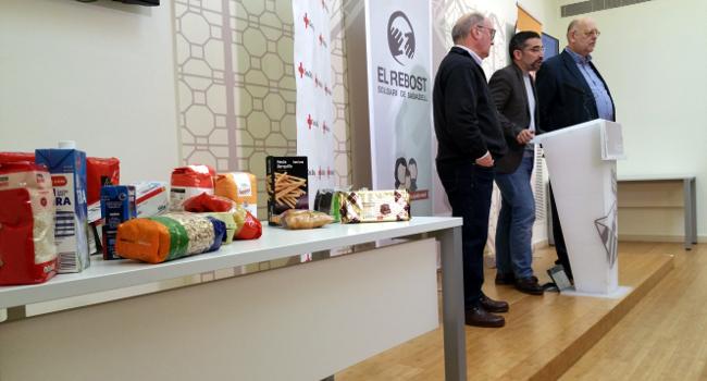 Unes 1.700 famílies usuàries del Rebost Solidari rebran el lot d'aliments específic del Nadal