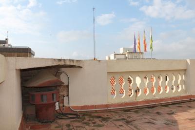 La sirena d'alarma instal·lada a l'Ajuntament es va fabricar a Sabadell durant la Guerra Civil