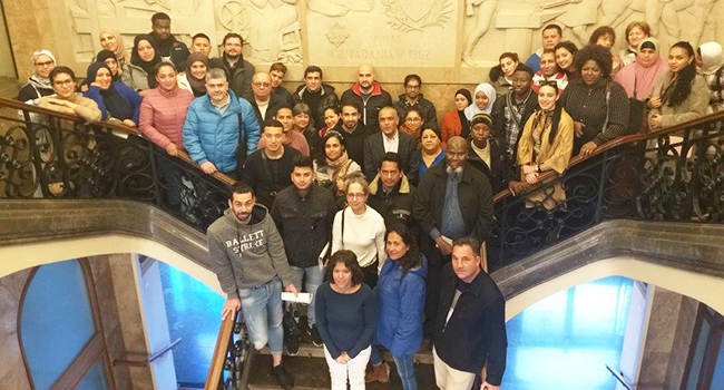 Participants al Programa d'Acollida visiten l'Ajuntament